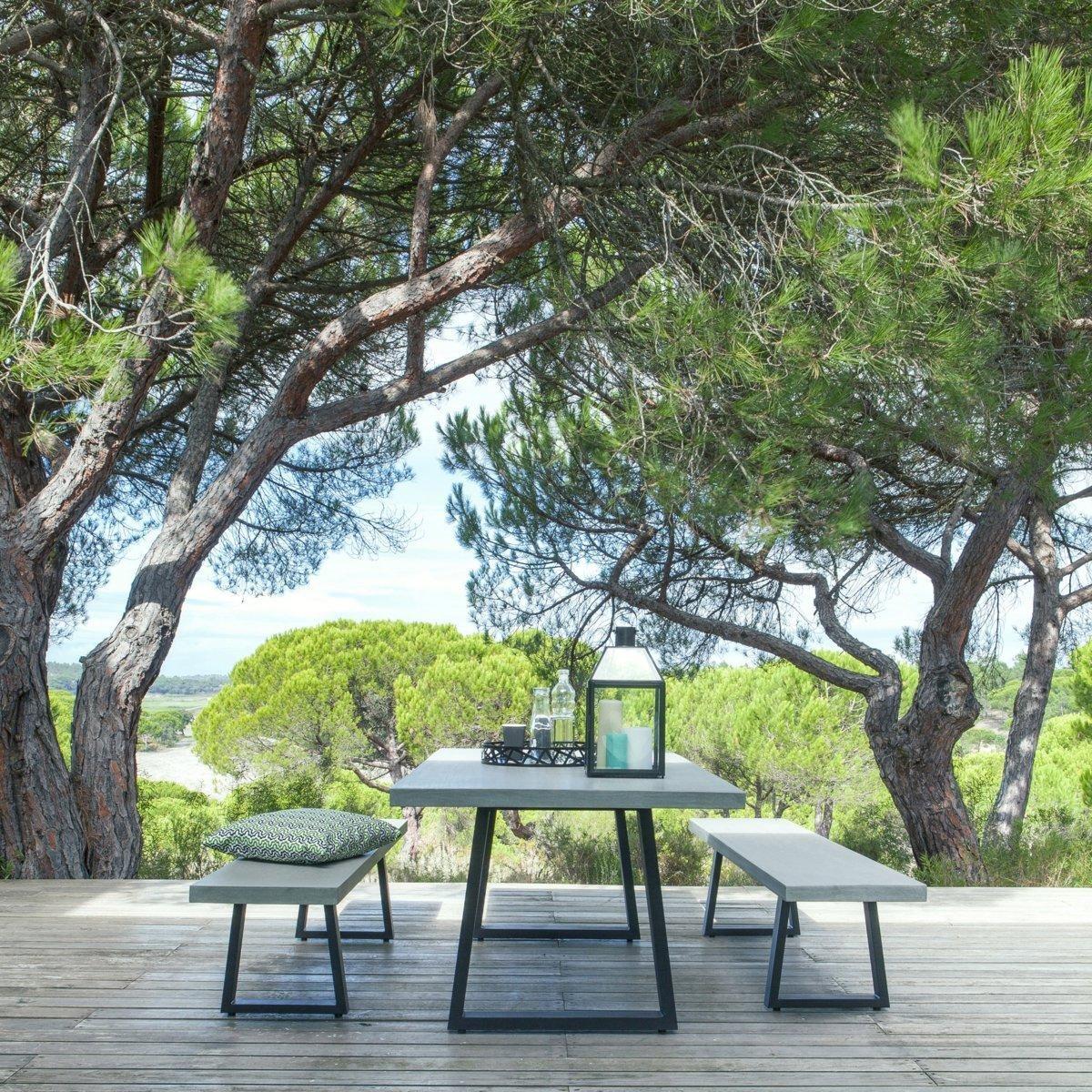 Une table de jardin pour toute ma tribu elle d coration - Table de jardin en beton ...