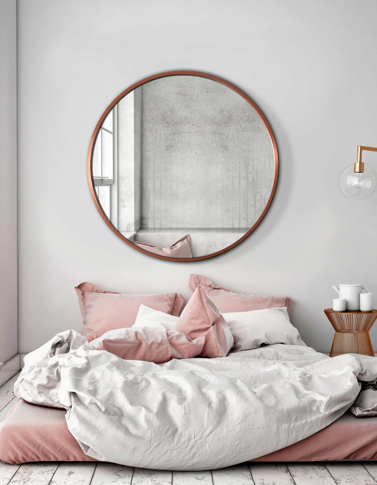 le miroir rond cet indispensable d co nos int rieurs elle d coration. Black Bedroom Furniture Sets. Home Design Ideas