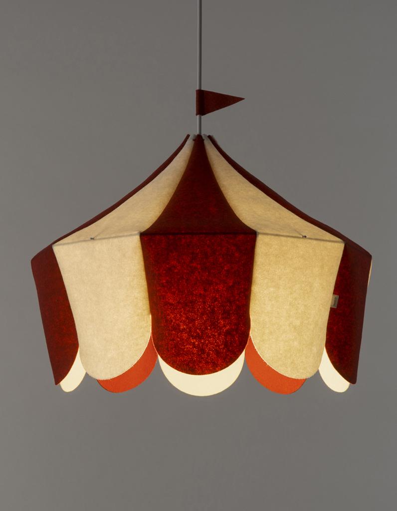 lampe enfant d couvrez notre s lection de luminaires pour la chambre d 39 enfant elle d coration. Black Bedroom Furniture Sets. Home Design Ideas