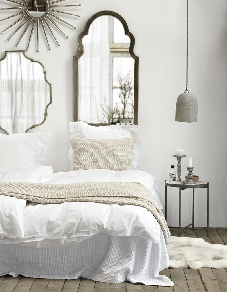 une chambre blanche dans l 39 air du temps la chambre blanche en 20 fa ons elle d coration. Black Bedroom Furniture Sets. Home Design Ideas