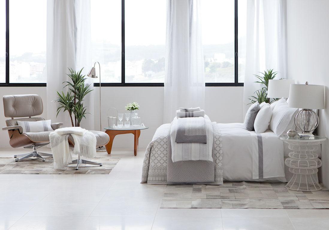 Une chambre blanche lumineuse la chambre blanche en 20 fa ons elle d coration for Deco chambre blanche