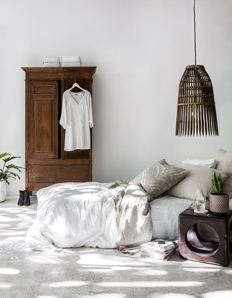 Une chambre blanche r veill par des l ments en bois fonc la chambre blanche en 20 fa ons - Deco chambre blanche ...