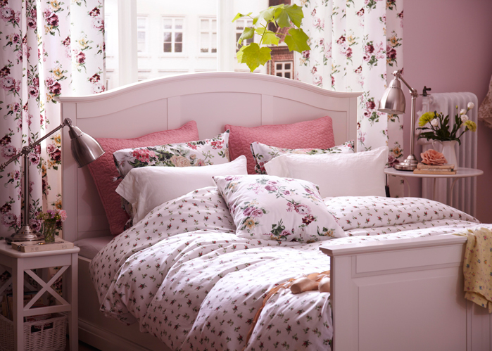 chambre romantique elle d coration. Black Bedroom Furniture Sets. Home Design Ideas