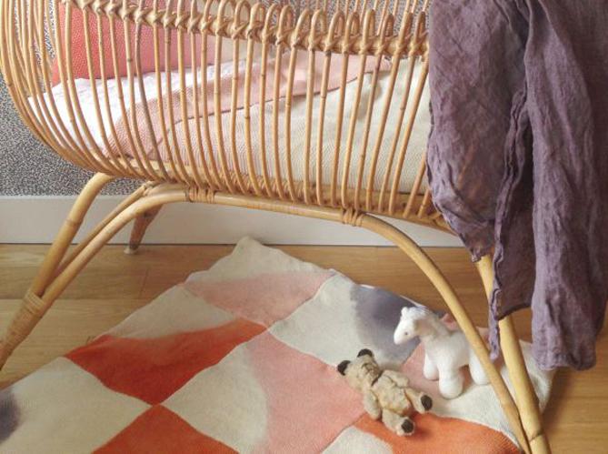 craquez pour un tapis dans la chambre de votre enfant elle d coration. Black Bedroom Furniture Sets. Home Design Ideas