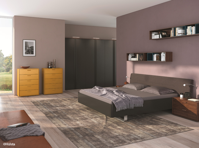 id e d co une touche de couleur dans votre chambre elle d coration. Black Bedroom Furniture Sets. Home Design Ideas