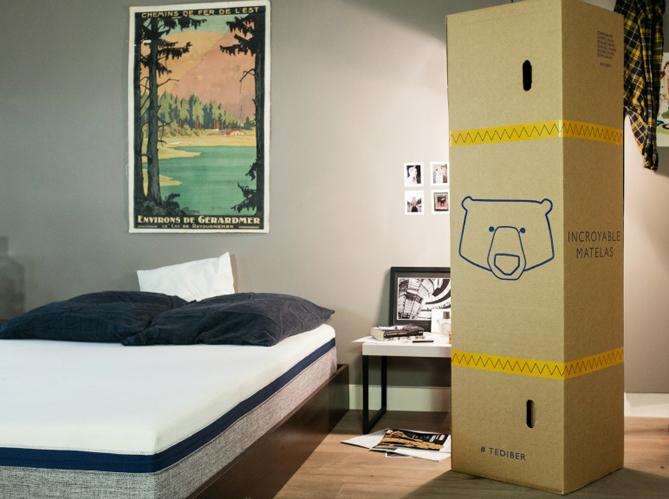 l 39 inspiration du jour un matelas livr dans un carton elle d coration. Black Bedroom Furniture Sets. Home Design Ideas