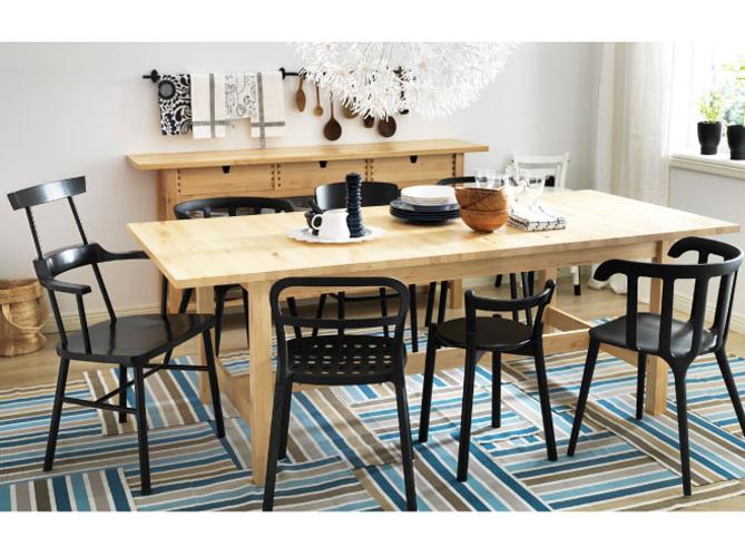 Coup de c ur pour les chaises d pareill es elle d coration for Chaises salle a manger en bois pour deco cuisine