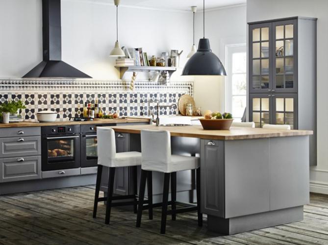 La cuisine esprit campagne nous charme elle d coration for Ilot central cuisine gris
