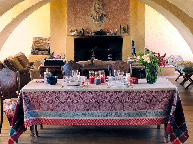 Des salles manger tr s d co elle d coration - Salle a manger provencale ...