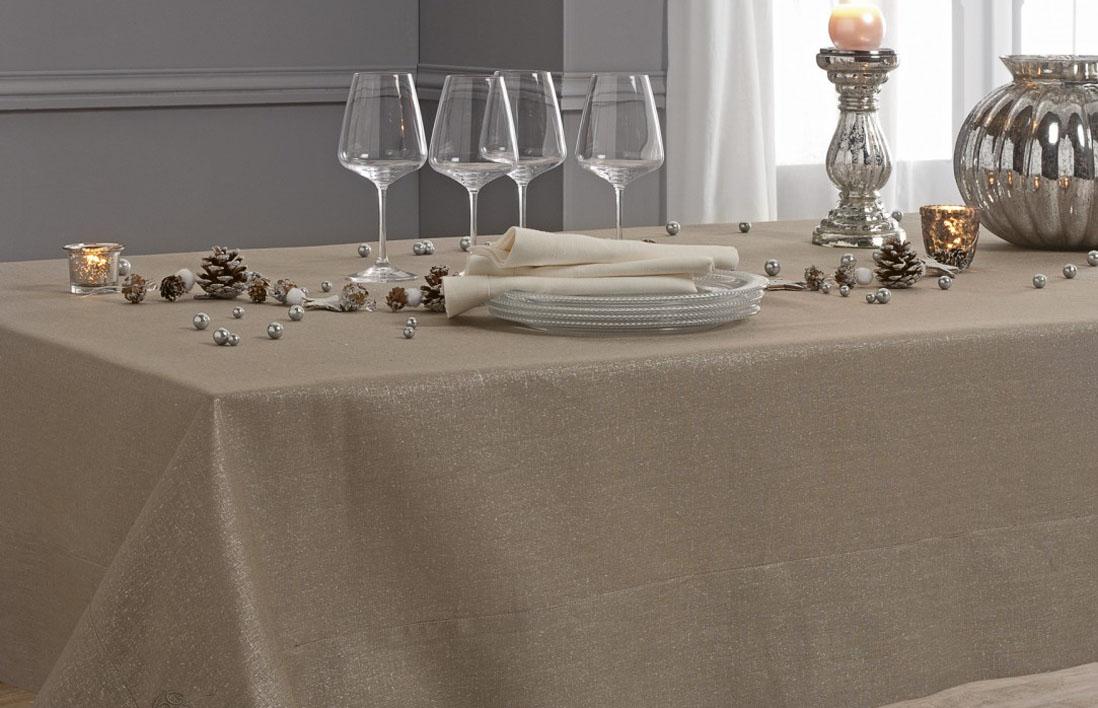 nappe-linge de table-table - Elle Décoration