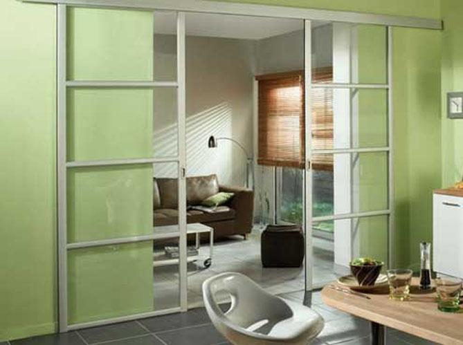 Une cloison vitr e et coulissante pour ma cuisine elle for Cloisons bois interieur