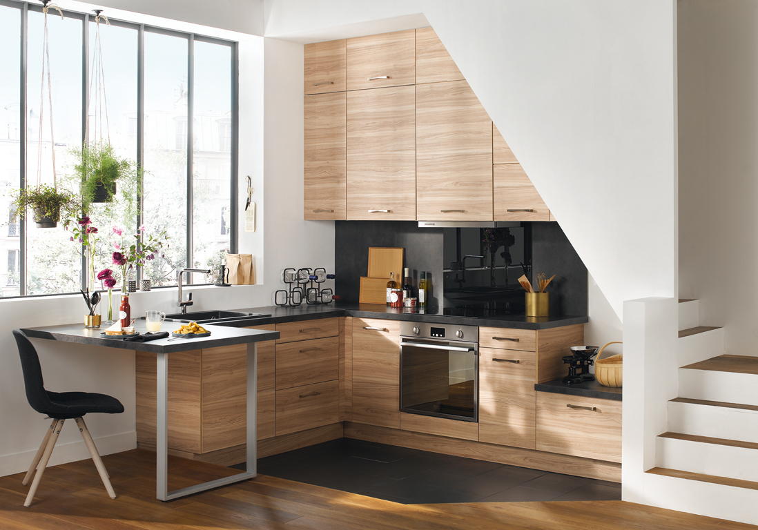amenager une petite cuisine en longueur design interieur. Black Bedroom Furniture Sets. Home Design Ideas