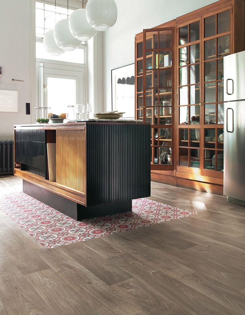 la cuisine rouge comme vous ne l avez jamais vue elle d coration. Black Bedroom Furniture Sets. Home Design Ideas