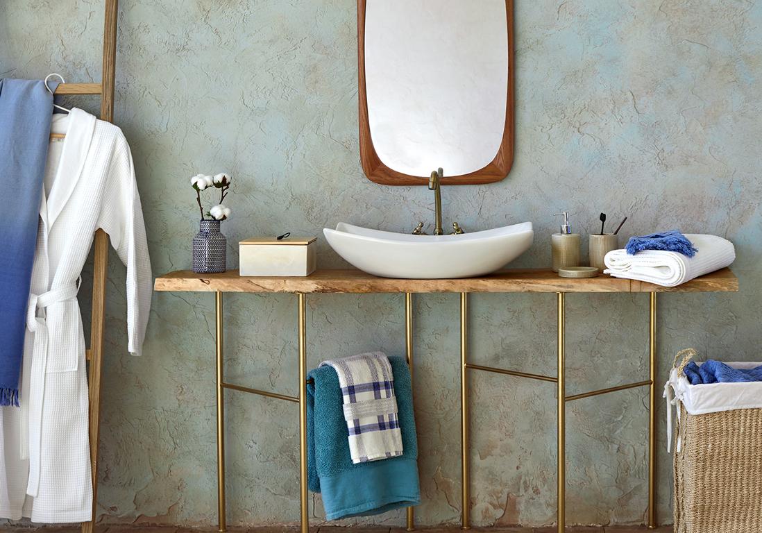 D couvrez les plus belles salles de bains bleues elle for Accessoires salle de bain zara home