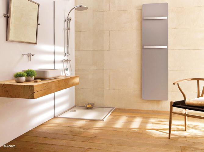 Le bois sublime la salle de bains elle d coration - Salle de bain parquet bois ...