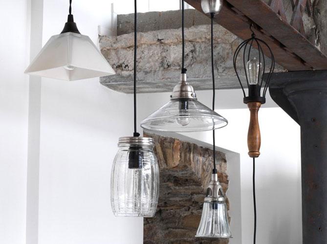 quelle lampe dans le salon elle d coration. Black Bedroom Furniture Sets. Home Design Ideas