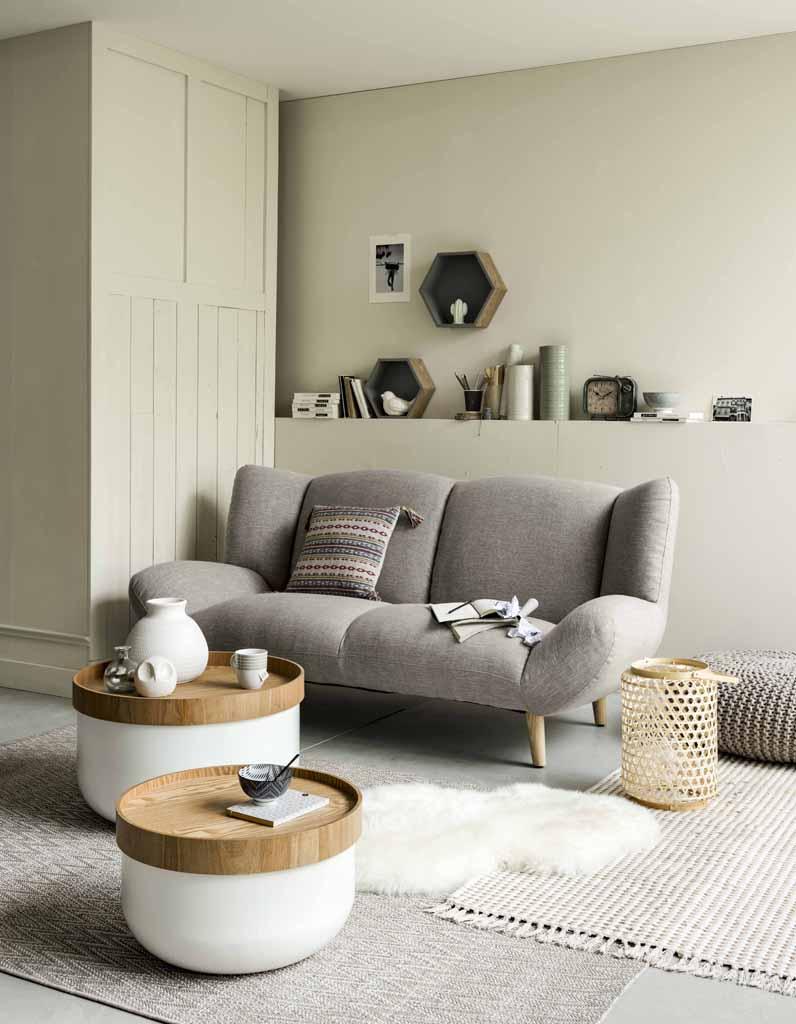 Une table basse en bois pour une touche chaleureuse au for Deco objet salon