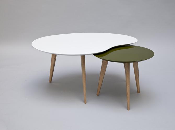 Tendance la table basse se multiplie elle d coration - Table basse gigogne galet ...
