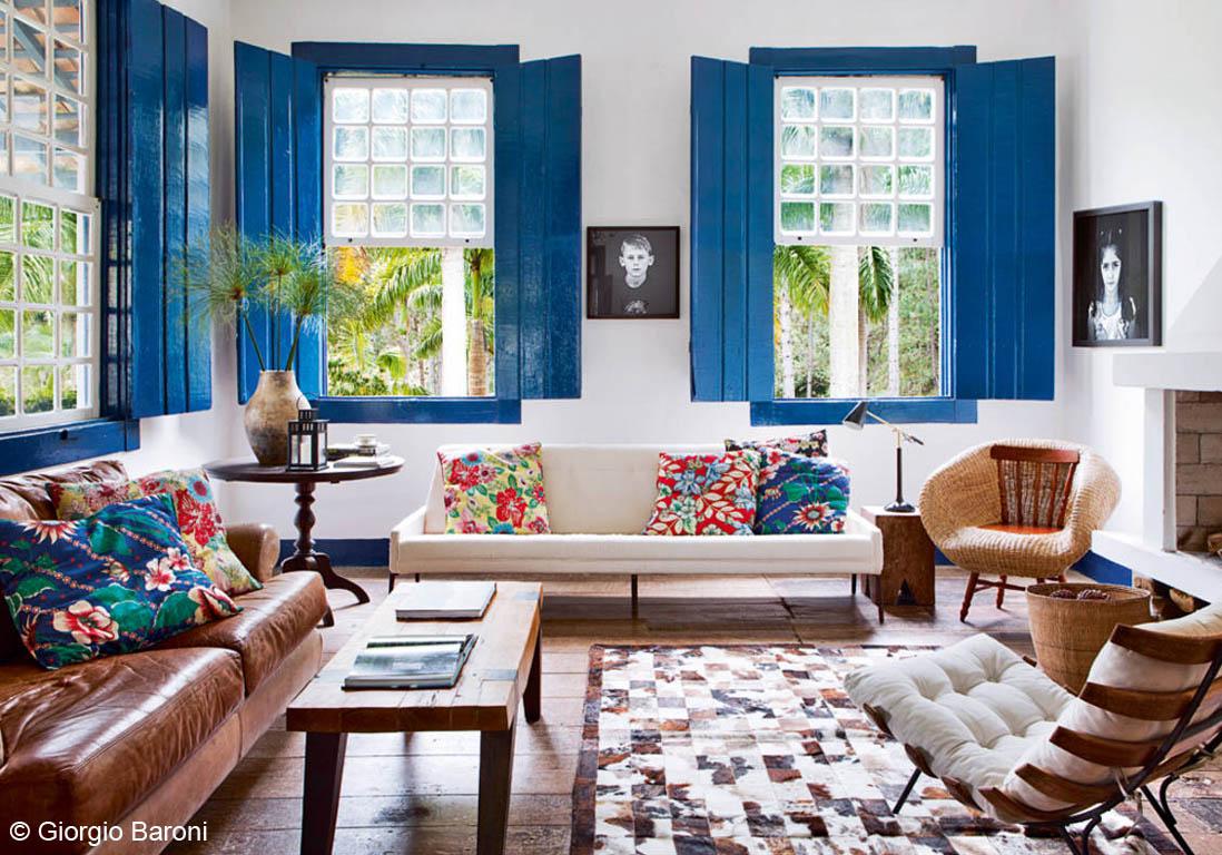 salon bleu et jaune good beautiful decoration salon bleu gallery design trends with salon bleu. Black Bedroom Furniture Sets. Home Design Ideas