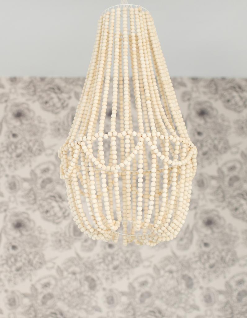 diy r alisez le fameux lustre en perles de make my lemonade elle d coration. Black Bedroom Furniture Sets. Home Design Ideas