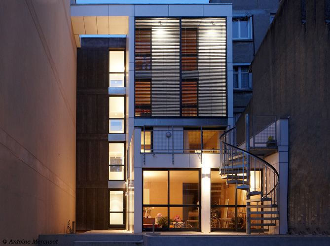 Visite guid e d une maison contemporaine et colo elle for Deco maison pratique