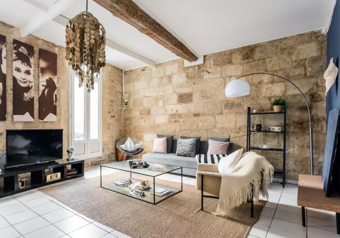 airbnb montpellier 25 appartements maisons et villas de r ve montpellier elle d coration. Black Bedroom Furniture Sets. Home Design Ideas