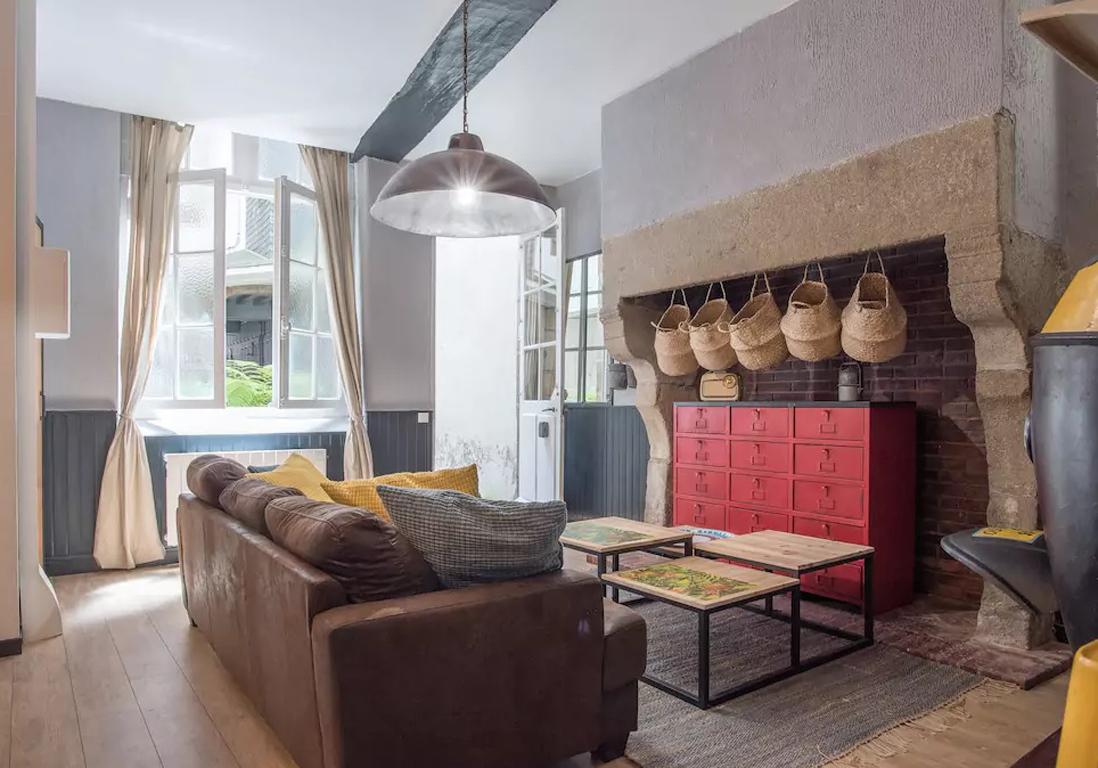 Airbnb saint malo 25 appartements maisons et lofts de for Appartement atypique var