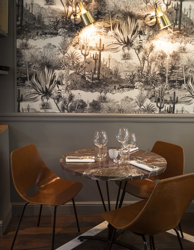 Yacht Club Restaurant Rue Saint Lazare