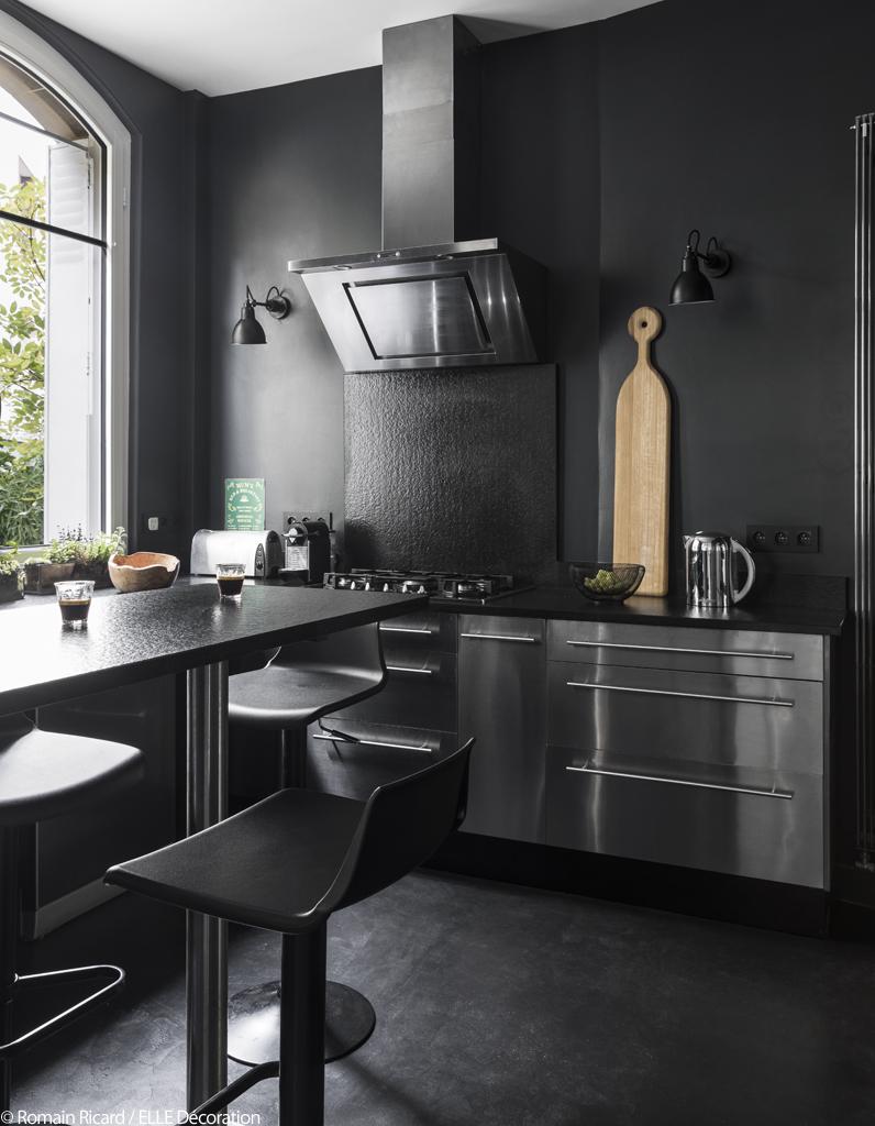 Cette maison nous prouve que le gris a tout pour plaire for Tout les cuisine