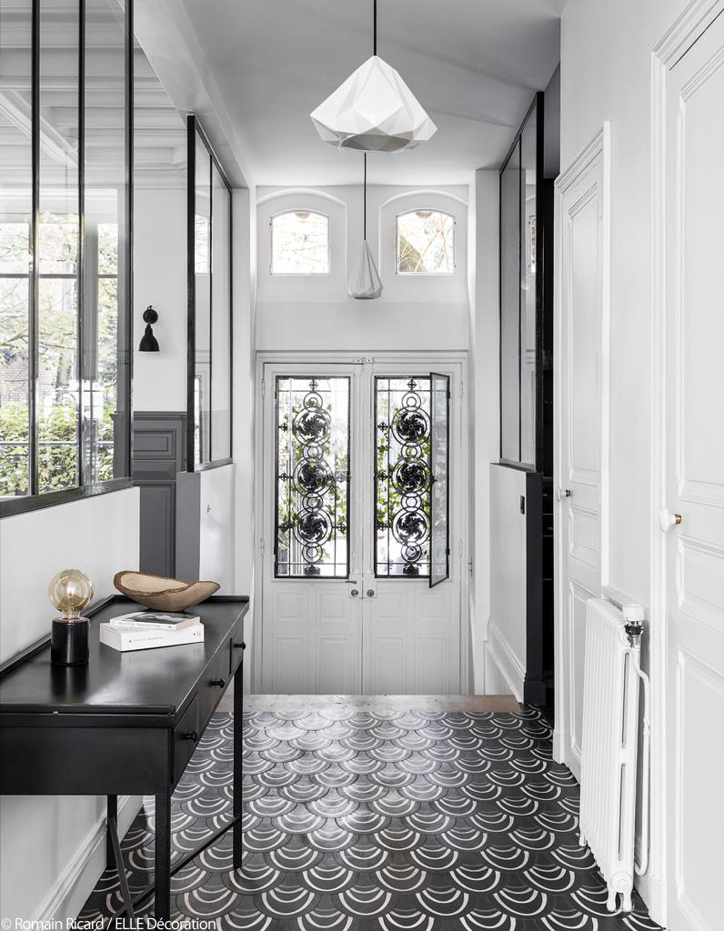 cette maison nous prouve que le gris a tout pour plaire elle d coration. Black Bedroom Furniture Sets. Home Design Ideas