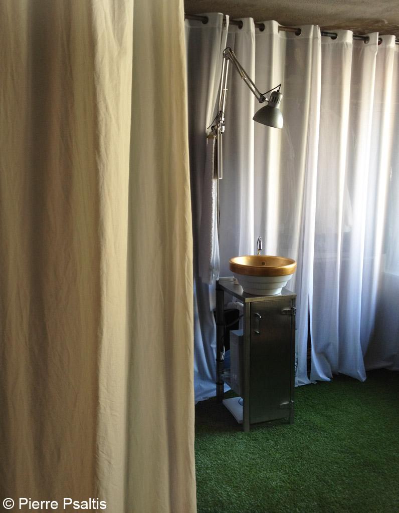 Relooking d un moulin proven al elle d coration - Salle de bain provencale ...