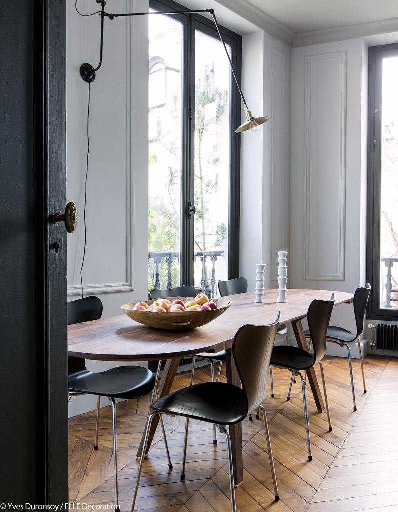 un appartement en bleu et noir elle d coration. Black Bedroom Furniture Sets. Home Design Ideas