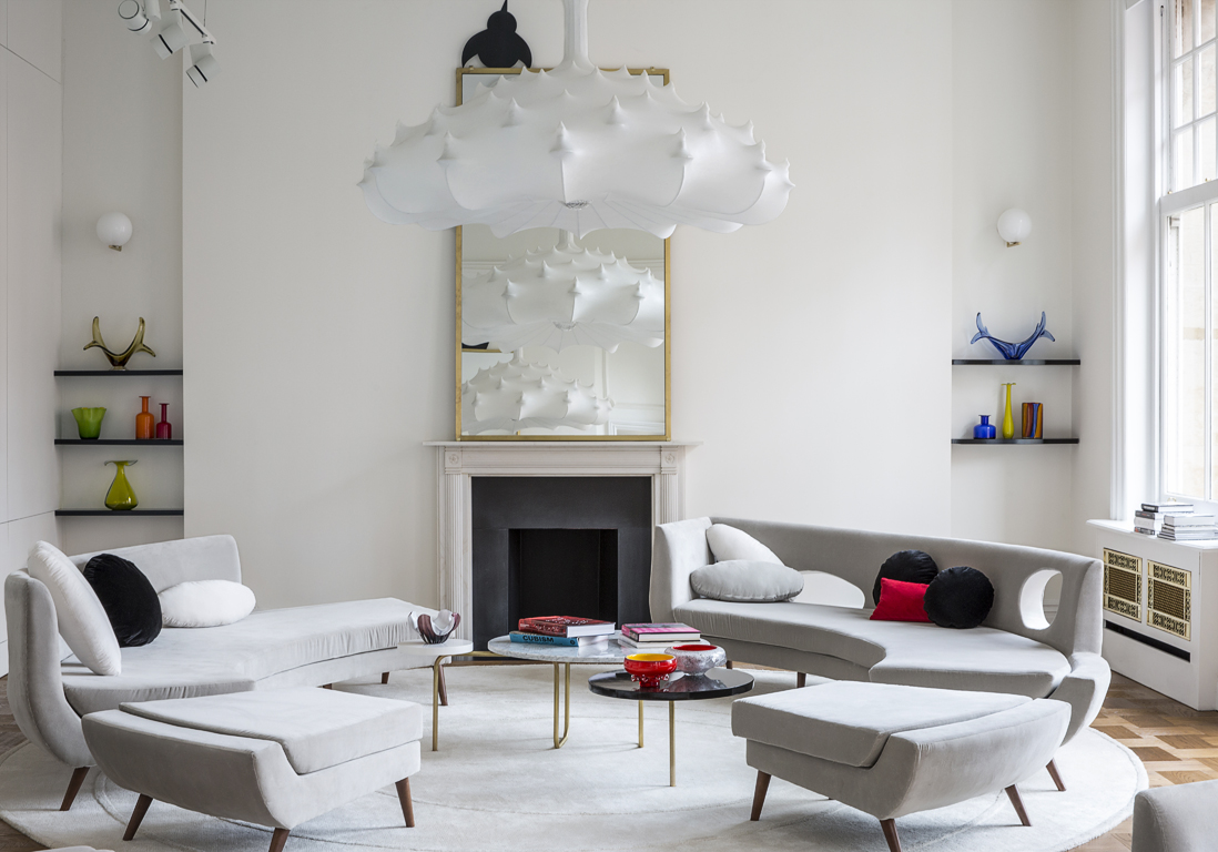 deco victorienne style victorien design salon amnager canap moderne table basse verre dco mur. Black Bedroom Furniture Sets. Home Design Ideas