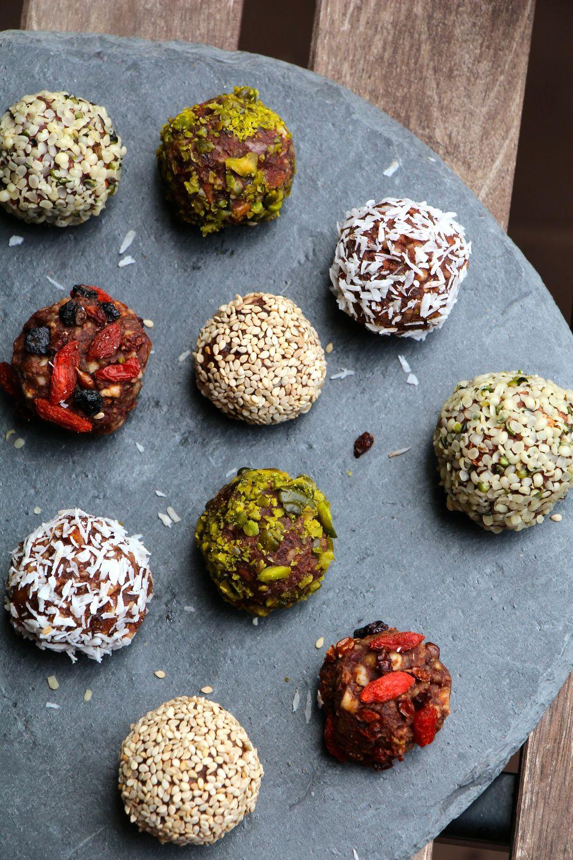 energy balls amandes cacao cru coup de fouet imm diat avec les energy balls elle table. Black Bedroom Furniture Sets. Home Design Ideas