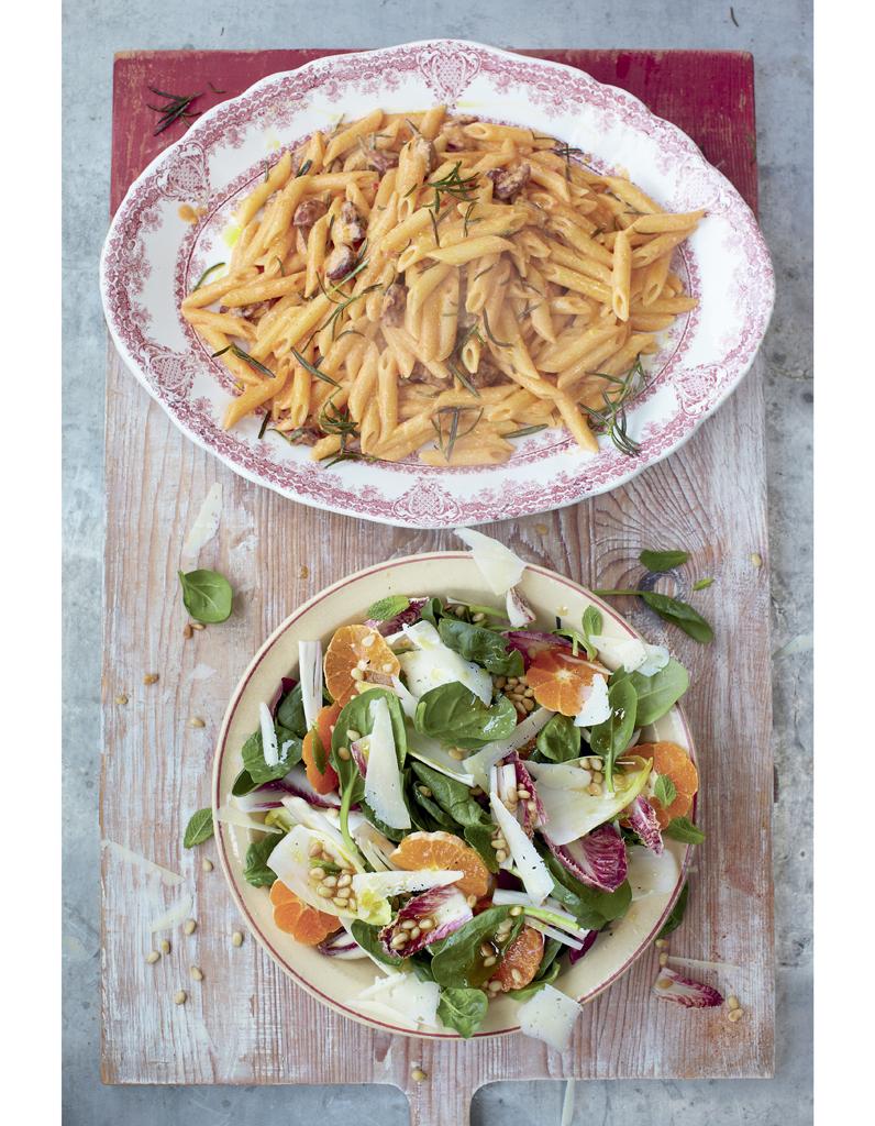 Carbonara au chorizo salade catalane jamie oliver 4 d ners en moins de 15 minutes elle - Jamie en 15 minutes ...