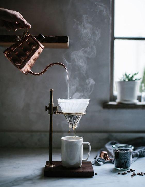 Cuisiner avec sa cafeti re une id e loufoque mais pratique elle table - Cuisiner avec une bouilloire ...