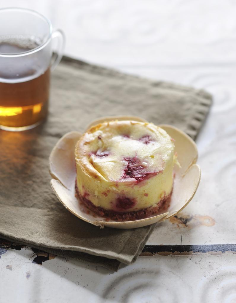 Cheesecake aux framboises pour 4 personnes recettes elle table - Site de recettes cuisine ...