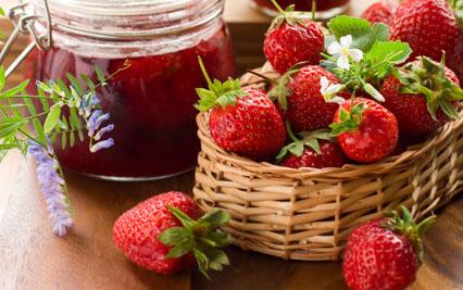 confiture de fraises pour 1 personne recettes elle table. Black Bedroom Furniture Sets. Home Design Ideas