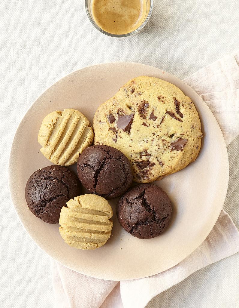 cookies aux p pites de chocolat noir pour 6 personnes. Black Bedroom Furniture Sets. Home Design Ideas