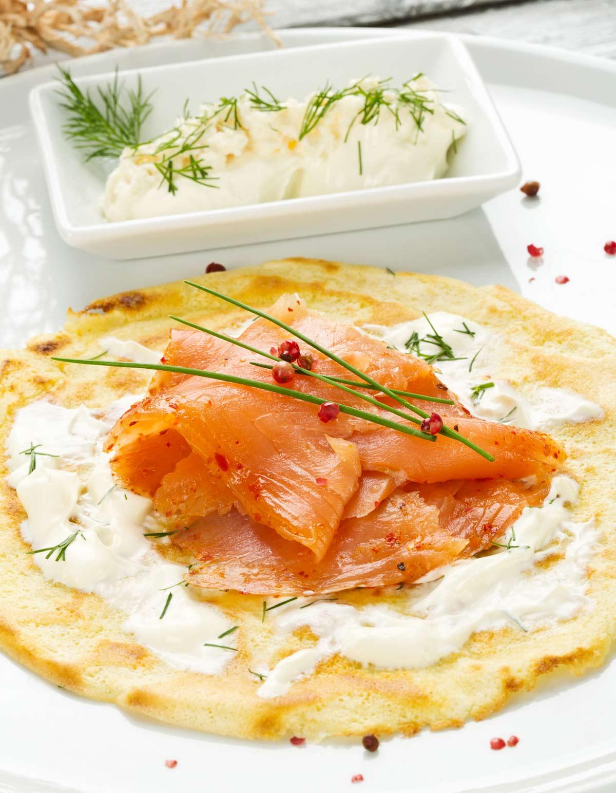 Cr pes de saumon fum pour 4 personnes recettes elle table - France 3 fr midi en france recettes de cuisine ...