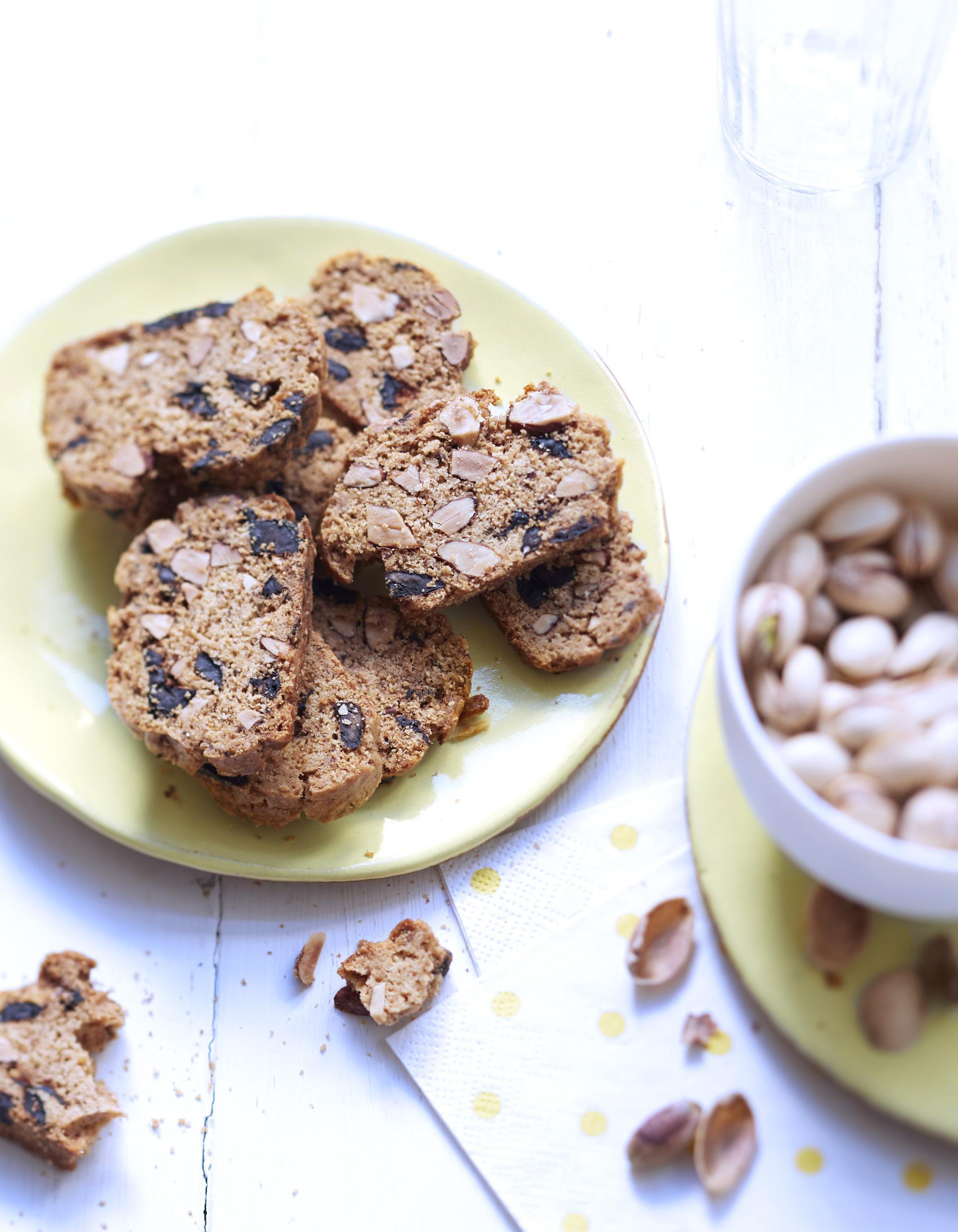 Croquants aux amandes et olives pour 10 personnes - C est au programme recettes de cuisine ...