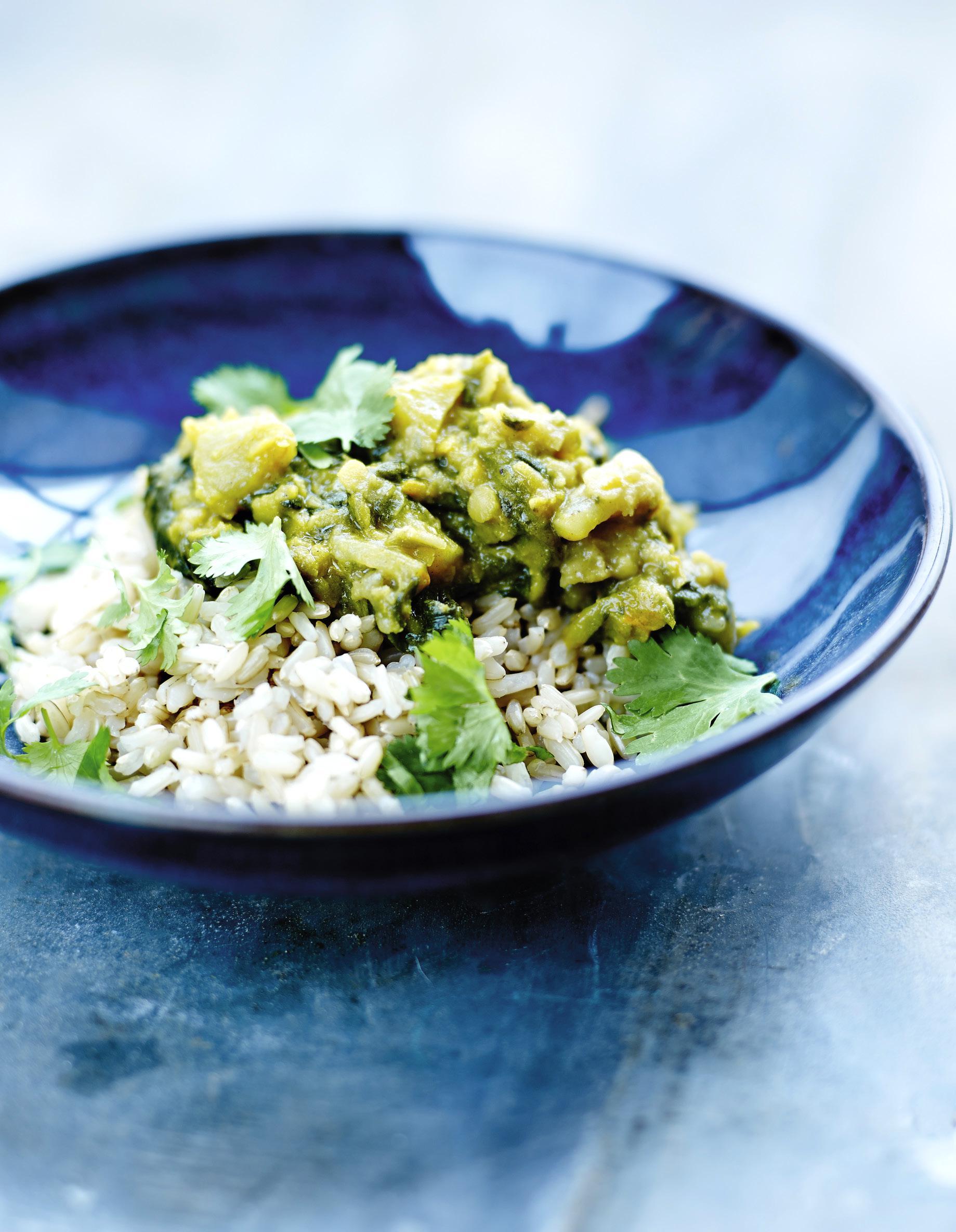 curry de petits pois et riz complet pour 4 personnes recettes elle table. Black Bedroom Furniture Sets. Home Design Ideas