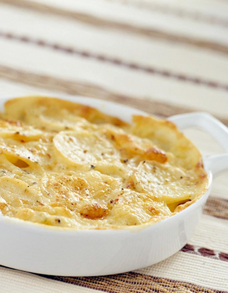 gratin de pommes de terre aux lardons et au jambon pour 4. Black Bedroom Furniture Sets. Home Design Ideas