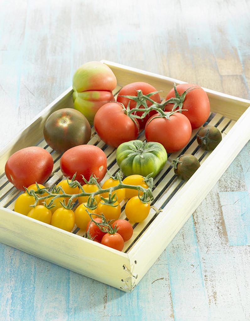mille feuilles la tomate pour 4 personnes recettes elle table. Black Bedroom Furniture Sets. Home Design Ideas