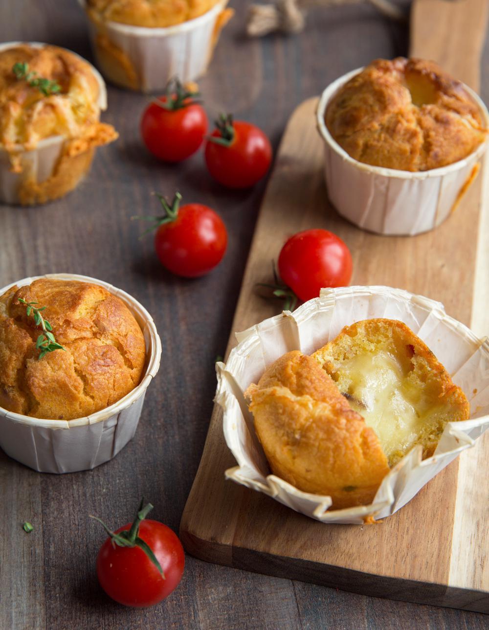Muffins aux tomates s ch es et raclette pour 4 personnes recettes elle table - Site de recettes cuisine ...