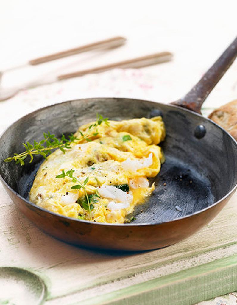 omelette la ricotta et la menthe pour 4 personnes recettes elle table. Black Bedroom Furniture Sets. Home Design Ideas