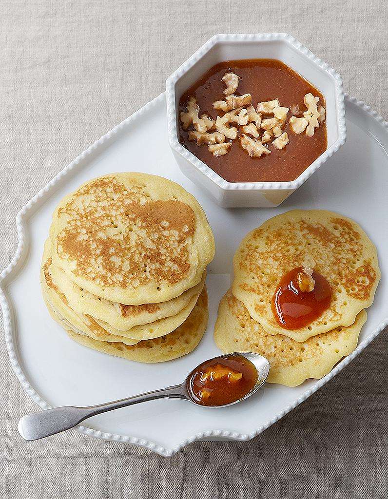 Pancakes caramel aux fruits pour 4 personnes recettes elle table - Recette pancakes herve cuisine ...