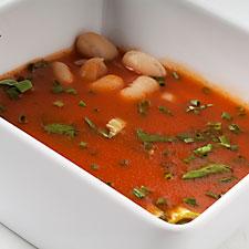 potage aux haricots et tomate pour 4 personnes recettes elle table. Black Bedroom Furniture Sets. Home Design Ideas