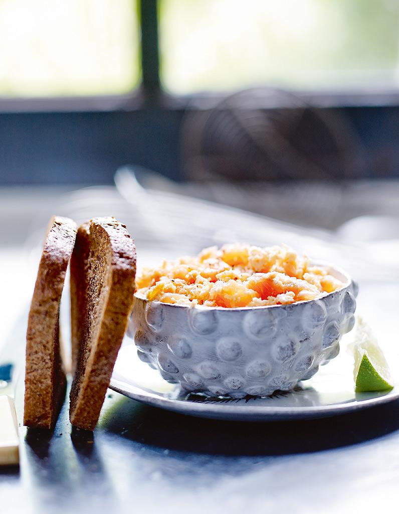 Rillettes aux deux saumons tartines au sarrasin sans gluten pour 4 personnes recettes elle - Site de recettes cuisine ...