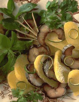 Salade d 39 anguille fum e pour 4 personnes recettes elle for Anguille cuisine